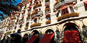 facade hotel plazza athénée